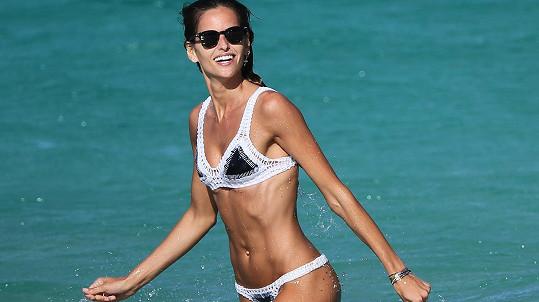 Modelka Izabel Goulart si užívá na dovolené v exotice.