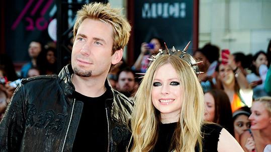 Manželství Avril Lavigne a Chada Kroegera se dostalo do fáze odloučení.