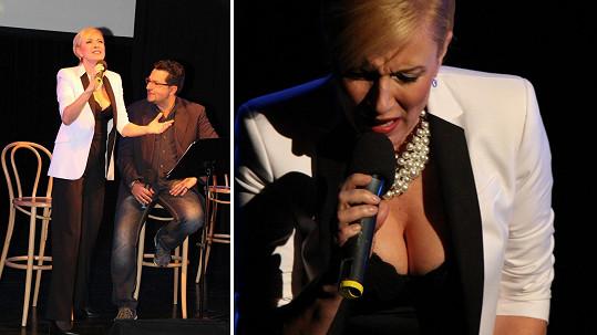 Renata Drössler si vzala zajímavý výstřih a pánové byli úplně mimo!