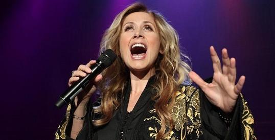 Superhvězda srovnávaná s Céline Dion má zvláštní požadavky.