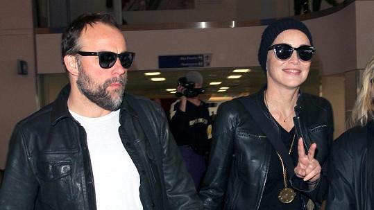 Sharon Stone už několik týdnů randí s hercem Davidem DeLuisem.