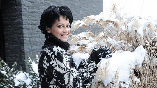 Lucie Bílá Bílá si Velikonoce užívá, ač není zrovna ideální počasí.