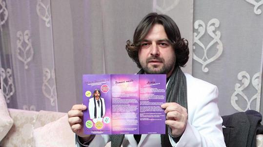 Zdeněk Macura dražil kalendář s kráskami v prádle.