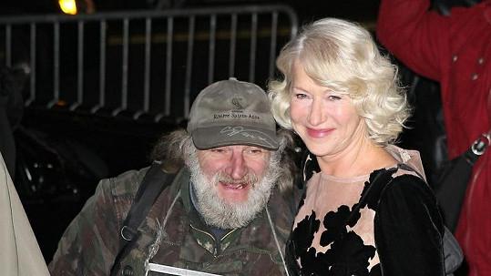 Helen Mirren s bezdomovcem v New Yorku.