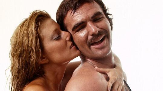 Burt Reynolds má na kontě provokativní fotky.