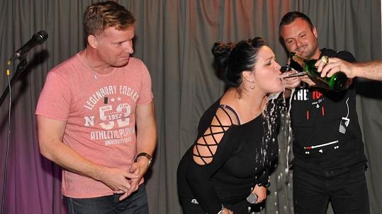 Leona Šenková pokřtila singl a videoklip S Nadsázkou.