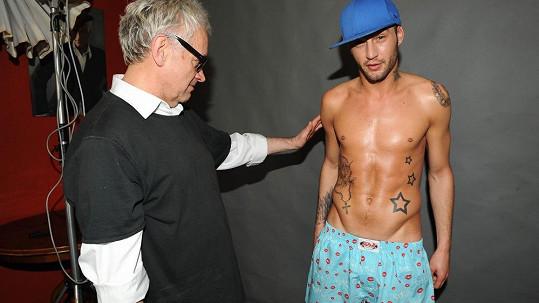 Sámer Issa s fotografem mužské krásy Robertem Vanem. Více ve fotogalerii.