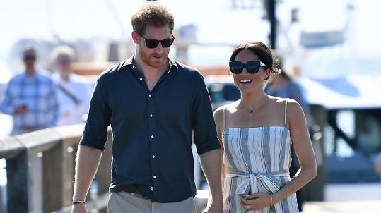 Vévoda a vévodkyně ze Sussexu Harry a Meghan se stali rodiči.
