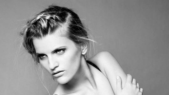 Veronika Chmelířová je přirozeně krásnou ženou. Více ve fotogalerii.