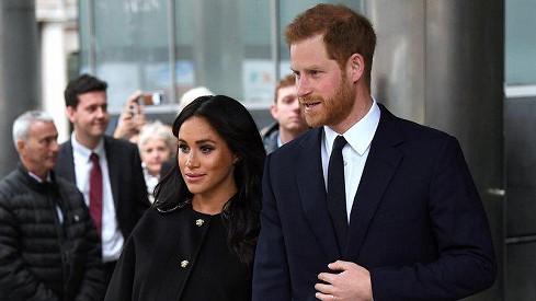 Harry a Meghan prý opustí Británii.