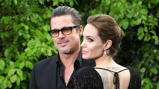 Angelina Jolie a Brad Pitt se potýkají s prvními rozmary svých dětí.