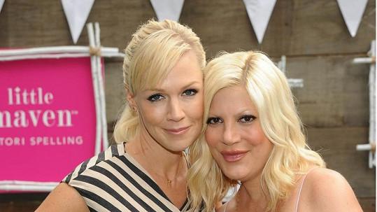 Jennie Garth a Tori Spelling spolu možná opět skončí před kamerou.