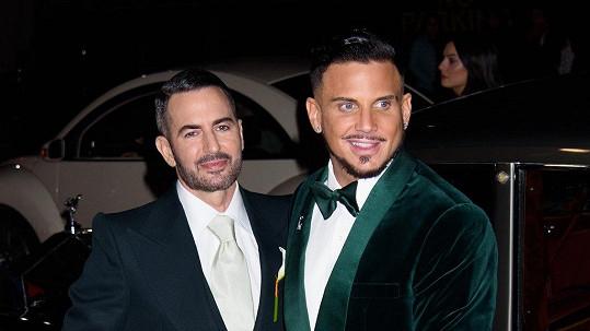 Marc Jacobs (vlevo) a Char Defrancesco jsou svoji.