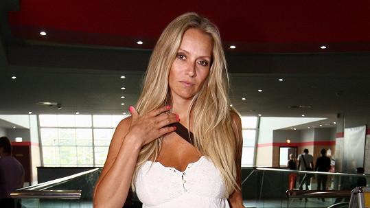 Bývalá sexbomba Gavriely ukázala svou překvapivou tvář. Je to vážně ona?