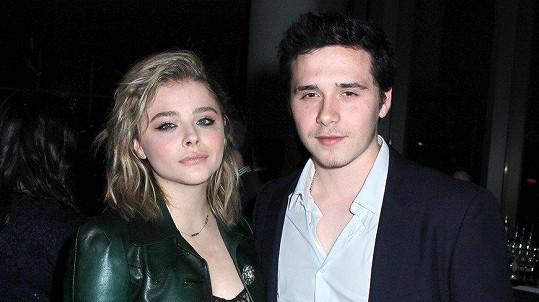 Syn slavných britských rodičů Brooklyn Beckham (18) a americká herečka Chloë Grace Moretz (20)