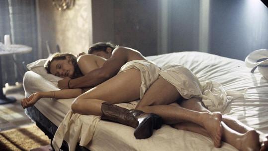 Brad Pitt a Geena Davis ve filmu Thelma a Louise. Ona už byla slavná, on na popularitu čekal.