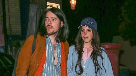 Lana Del Rey s přítelem a kolegou Barriem-Jamesem O'Neillem