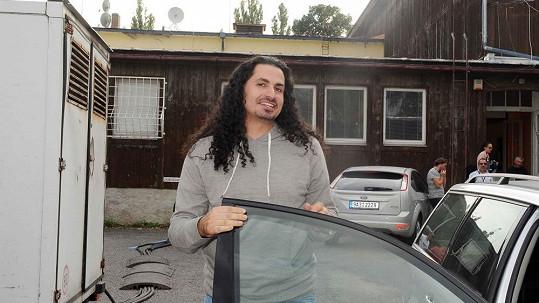 Vladko Dobrovodský se znovu stěhuje do vily.