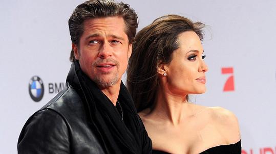 Angelina a Brad podepsali předmanželskou smlouvu.