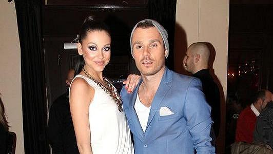 Leoš Mareš s přítelkyní Hankou Svobodovou.