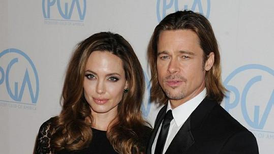 Brad Pitt a Angelina Jolie se budou brát.