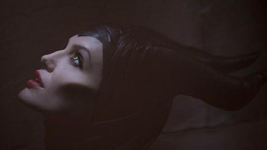 Angelina Jolie jako zlá královna Maleficent.