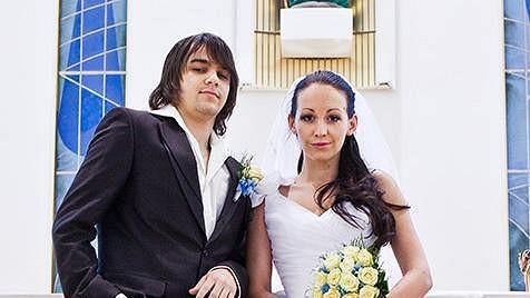 Agáta Hanychová je jako nevěsta nádherná.