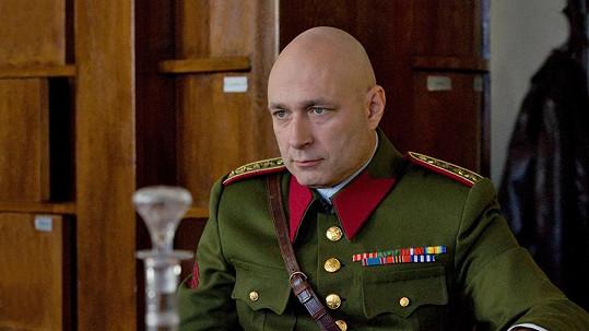 Daniel Landa ztvární plukovníka Emanuela Moravce.