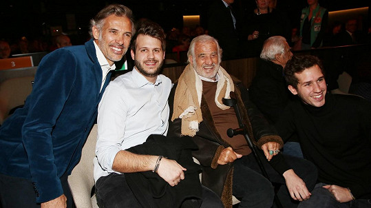 Jean-Paul Belmondo se synem Paulem a vnuky