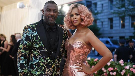Idris Elba a Sabrina Dhowre v New Yorku
