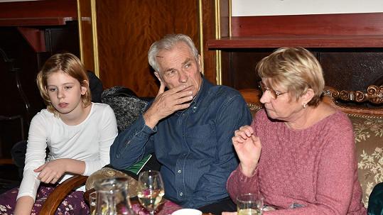 Alois Švehlík s vnučkou Viktorkou