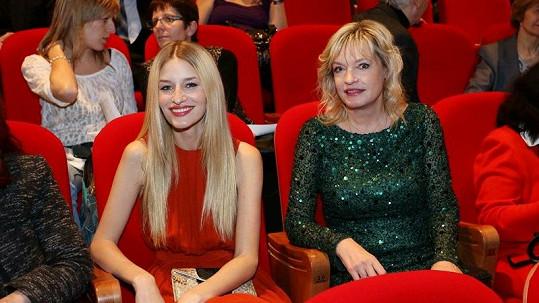 Linda a její maminka Tatjana.
