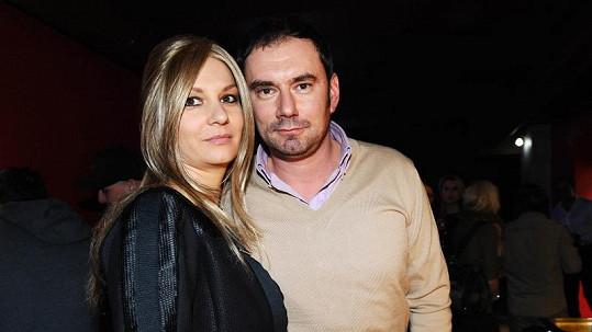 Emanuel Ridi je své manželce Janě velkou oporou.
