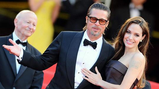 Angelina Jolie a Brad Pitt se dohodli na provizorní péči o děti.
