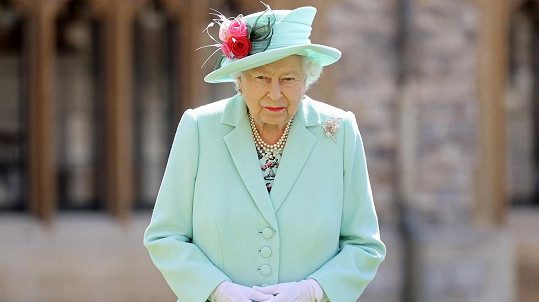 Královna považuje slova o rasismu za znepokojivá.