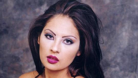 Půvabná Angie Sanclemente Valencia se dostala do křížku se zákonem.