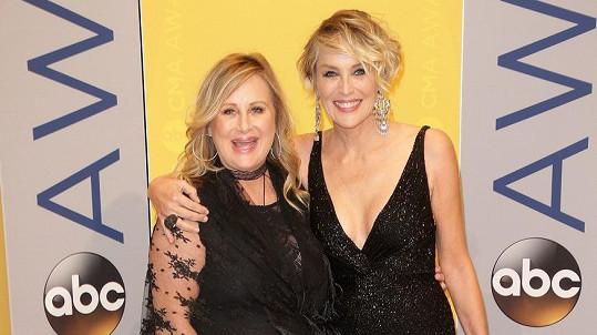 Sharon Stone se sestrou Kelly