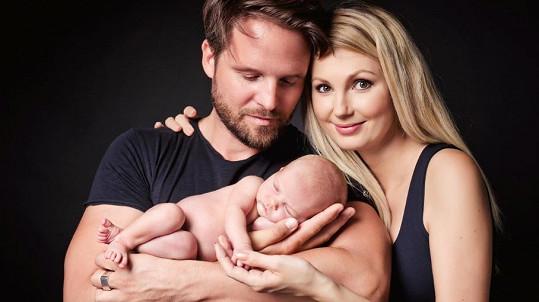 Sandra Parmová s partnerem Pavlem a dcerou Emily