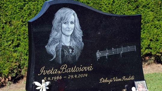 Hrob Ivety Bartošové