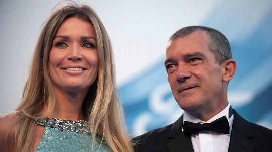 Antonio Banderas a Nicole Kimpel
