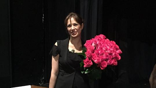 Tereza Kostková dostala 40 růží.