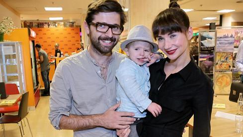Sandra Nováková a její partner se pochlubili synem.