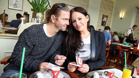 Jitka Čvančarová s Petrem Čadkem jsou manželé už pět let.