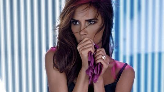 Victoria Beckham je na nových snímcích velmi sexy.