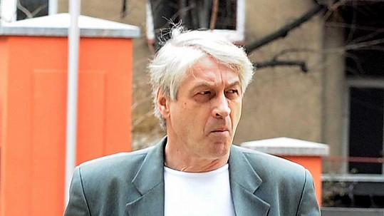 Josef Rychtář má na krku exekuci.