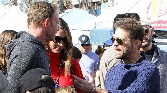 Steve a Brandon z Beverly Hills se setkali na trhu.