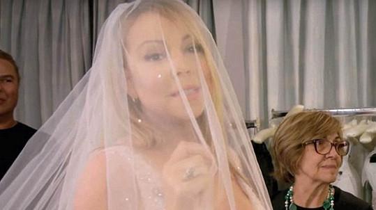 Svatební zvony Mariah Carey aktuálně nezní ani z dálky...