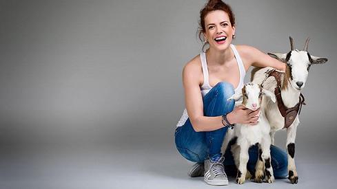 Andrea Kerestešová pózovala s kozami.