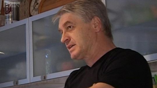 Josef Rychtář nechce Bartošovou v pití alkoholu podporovat.