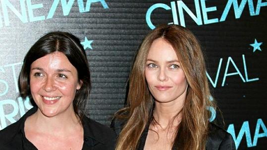 Vanessa Paradis (vpravo) chce kreativního muže.
